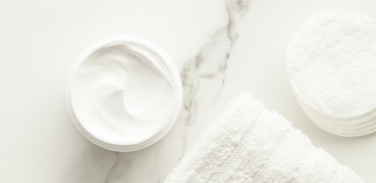 What Is Gommage Exfoliation and How Does It Work